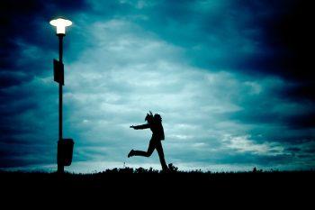 【VRセラピー】はうつ病に有効?コレ自宅でも出来たら嬉しいよね。